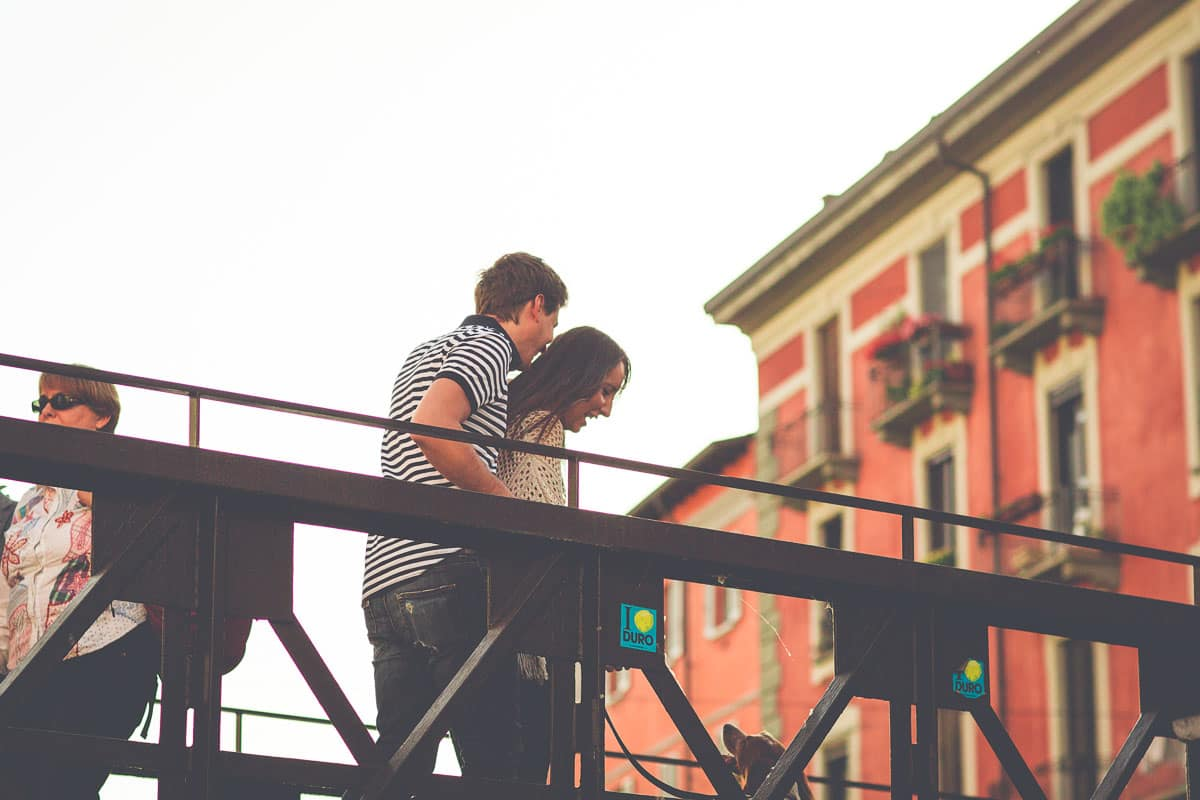 engagement-photography-a-pre-wedding-walk-in-milans-navigli