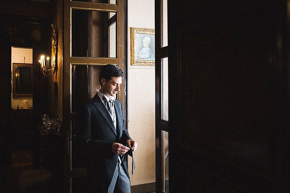 Ritratto dello sposo a colori, matrimonio in Franciacorta
