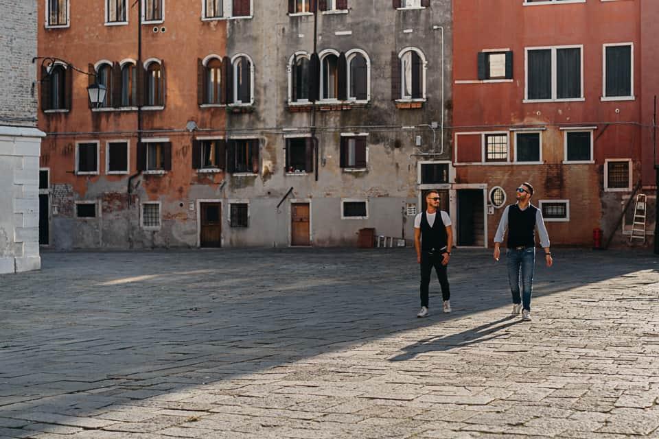 a passeggio per le calli di Venezia