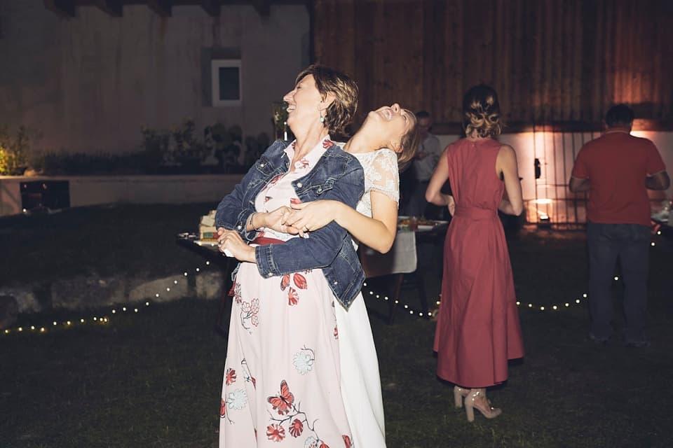 gioia durante i balli fotografo per matrimoni Brescia